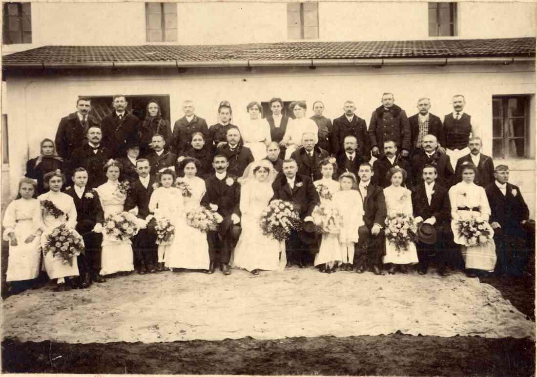 Hochzeit der Müllerstochter Maria Pelzmann aus Oberwart (Heidegasse 2) mit dem Kellner Adolf Neubauer