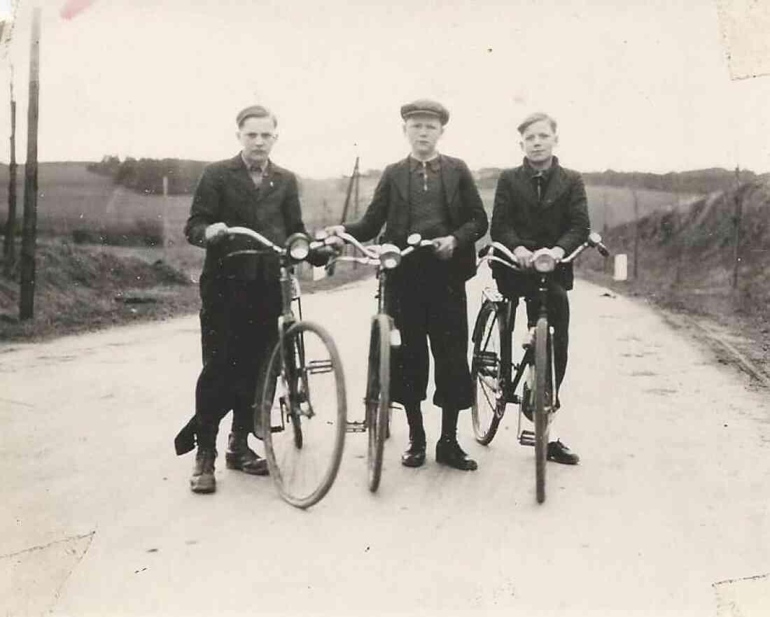 Ringbauer Franz, Zambo Alexander und Pongracz Michael mit ihren Fahrrädern