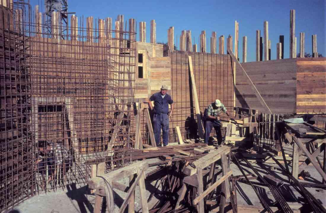 Bau der neuen röm. kath. Osterkirche