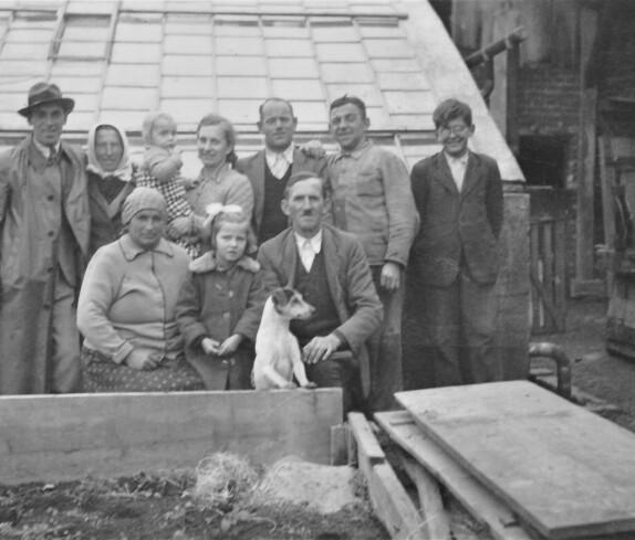Gärtnerei Graf (Steinamangererstraße 36b): MitrbeiterInnen und Familie