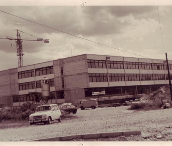 Neubau der Hauptschule - heute EMS (Schulgasse 29)