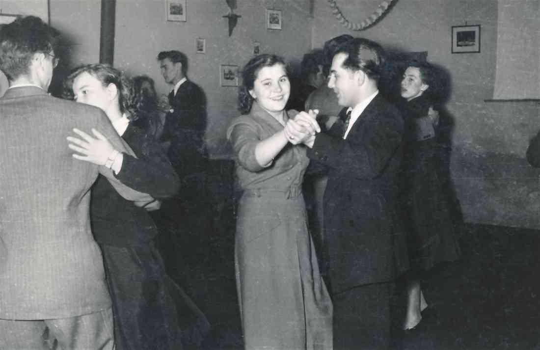 Im Pfarrheim der röm. kath. Pfarre: Tanzunterhaltung