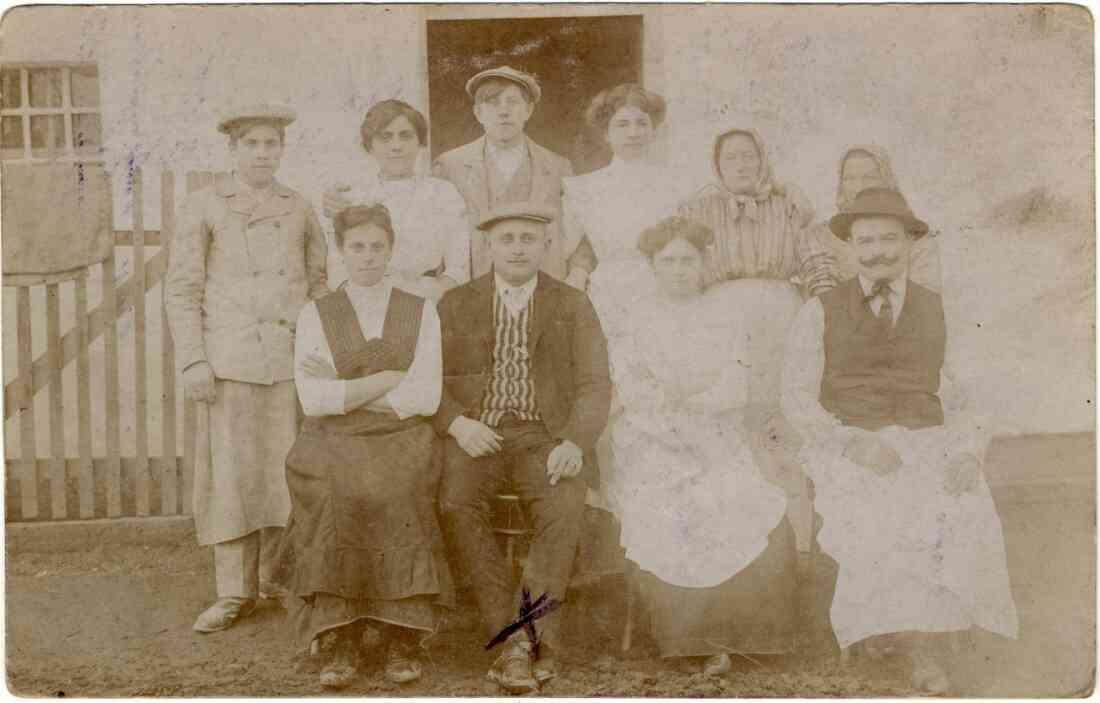 Die Beschäftigten der Pelzmann-Mühle (Heide-Gasse 2)