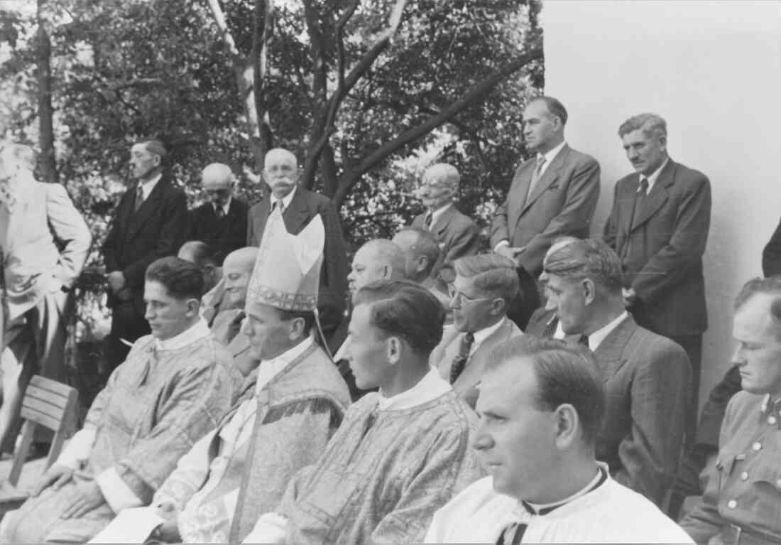 Röm. kath. Pfarre: Pfarrhofweihe am 30. August 1953